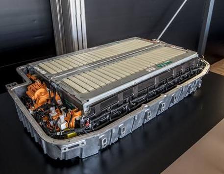 新能源车续航1200公里 中国全固态电池即将量产