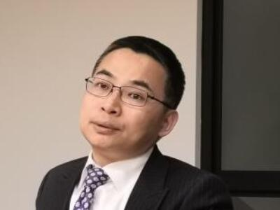 远景集团CEO张雷:电动车事故频发 建议强化电池安全标准