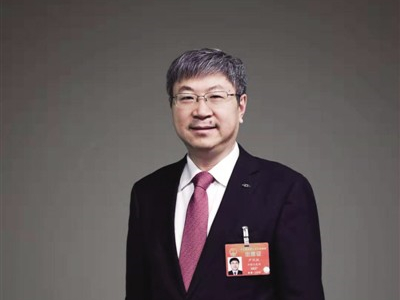 """尹同跃:智能汽车要""""换道超车"""" 标准和法规应跟进"""