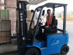比亚迪百台电动叉车下月陆续交付澳洲 2019年目标销售4万台
