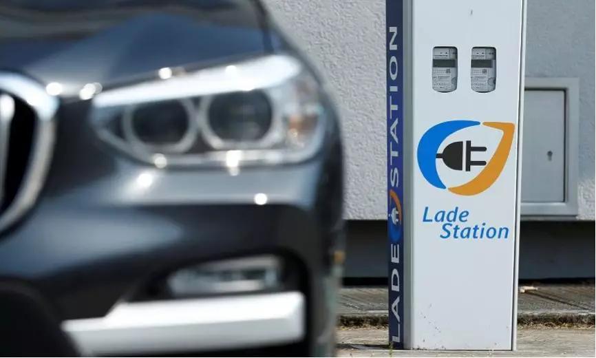 整个欧洲强劲增长  德国欧宝小镇的电动汽车充电站