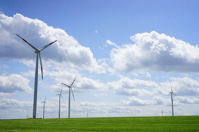 """上半年全国累计并网装机容量达1.93亿kW 弃风电量和弃风率持续""""双降"""""""