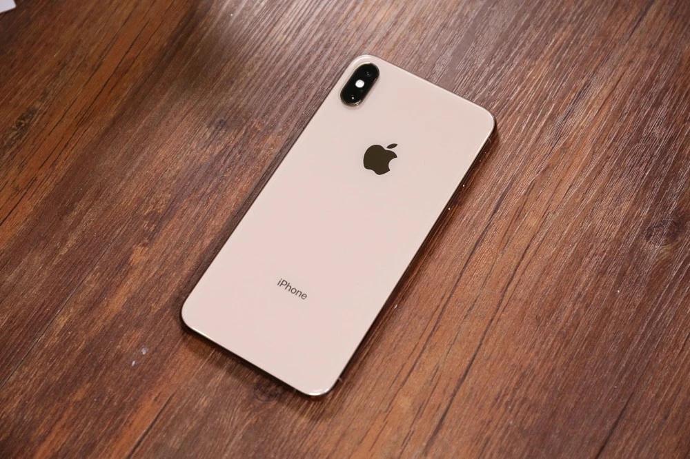 """苹果或重演""""电池门"""":iPhoneXS、XR电池不佳将要降频"""