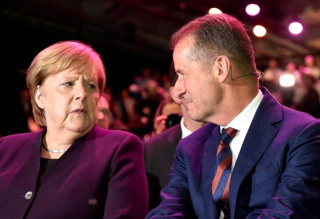 大众集团ID.3电动车举行投产仪式 德国总理默克尔出席