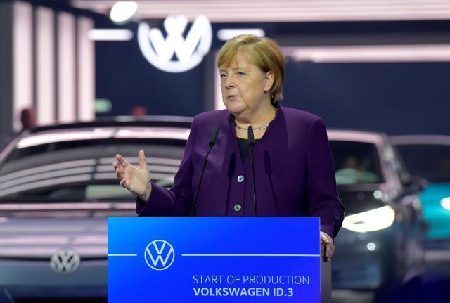 德国斥资35亿欧元扩建电动汽车充电桩 默克尔:提高购车补贴