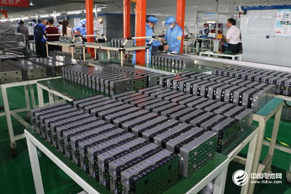 前10月我国锂电池产量122.8亿只 原电池及原电池组产量329亿只