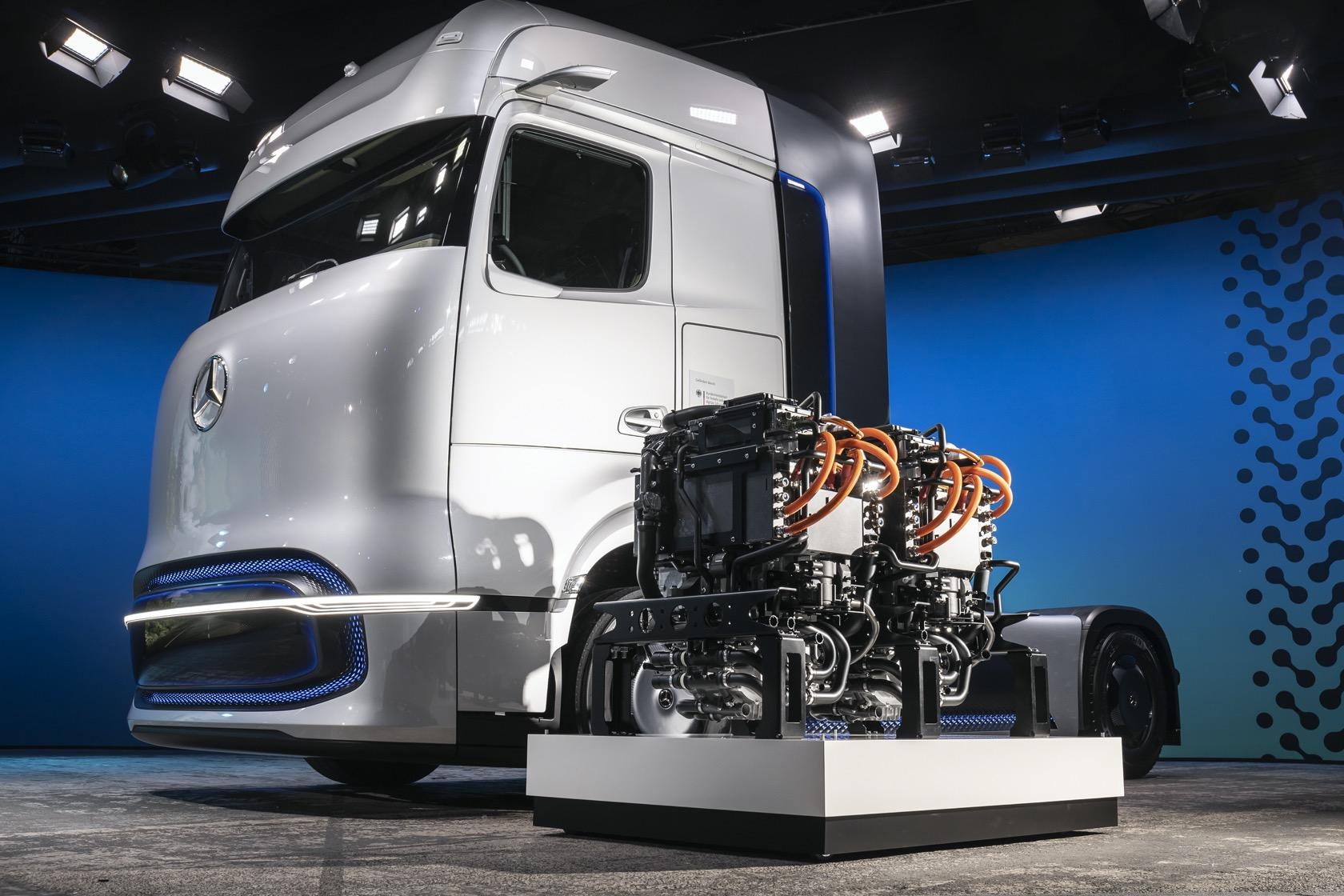 梅赛德斯-奔驰GenH2卡车:能跑1000公里的氢燃料ballbet贝博登陆卡车来了!