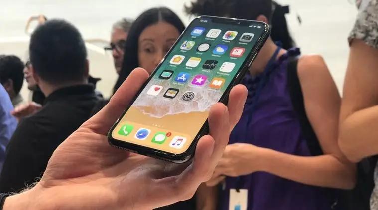 苹果三星等纷纷发布新机 智能手机大战第四季度重燃