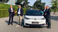 特斯拉和大众竞相开发20万元内电动车,你看好谁?