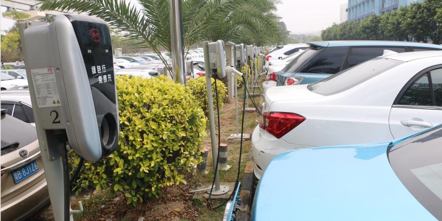 我国现有新能源车相关企业23.2万家 动力电池相关企业超1.8万家