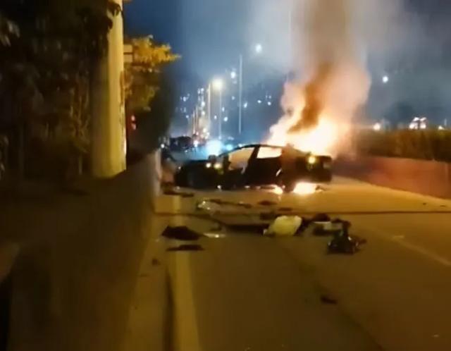 广州一辆特斯拉突发燃烧!男乘客当场死亡,警方最新通报来了!
