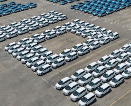 全球电动汽车去年新注册量达300万辆 未来10年将显著增长