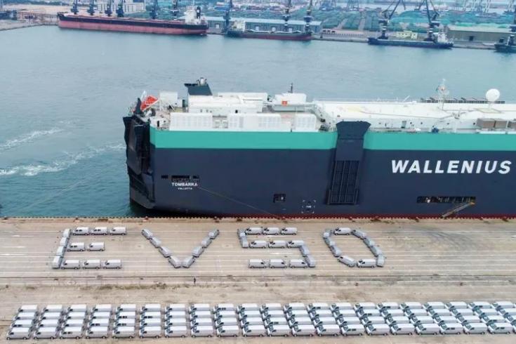 中国自主品牌130余台EV50新能源物流车出口北美国家