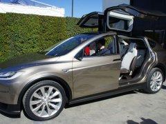 十年磨一剑 特斯拉正威胁传统汽车行业