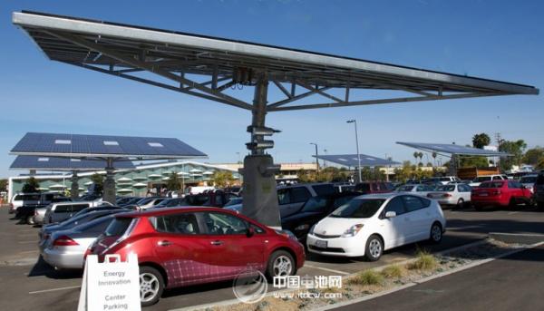 美国电动汽车生产商特拉斯汽车公司(tesla motors)称,消费者高清图片