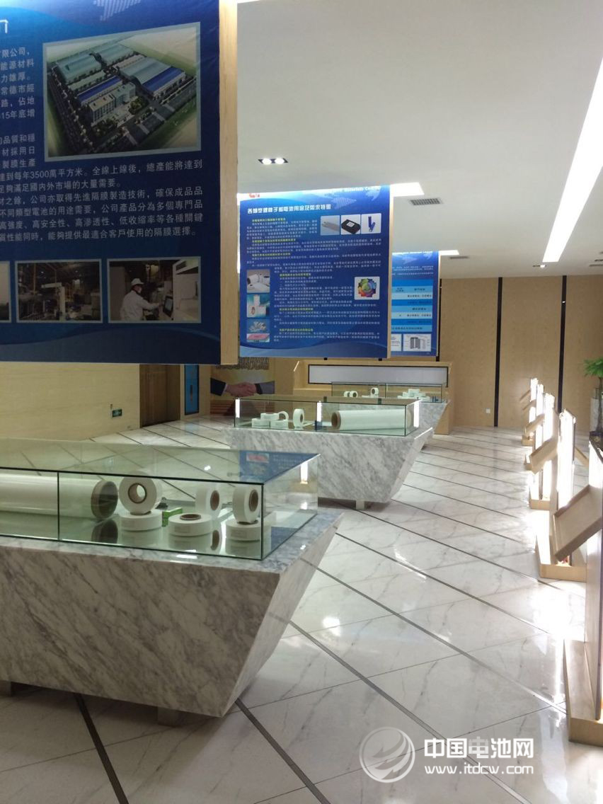 湖南 福斯特/陈海生表示,目前国内隔膜销售额在2亿元规模的企业很少,2013...