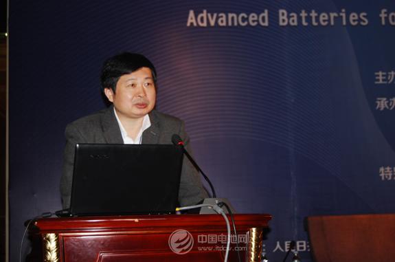 中国科学院物理所研究员、博士生导师黄学杰