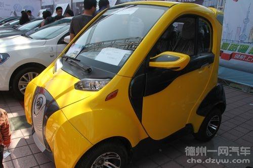 小型电动车:开的人说挺爽,想买的人在犹豫