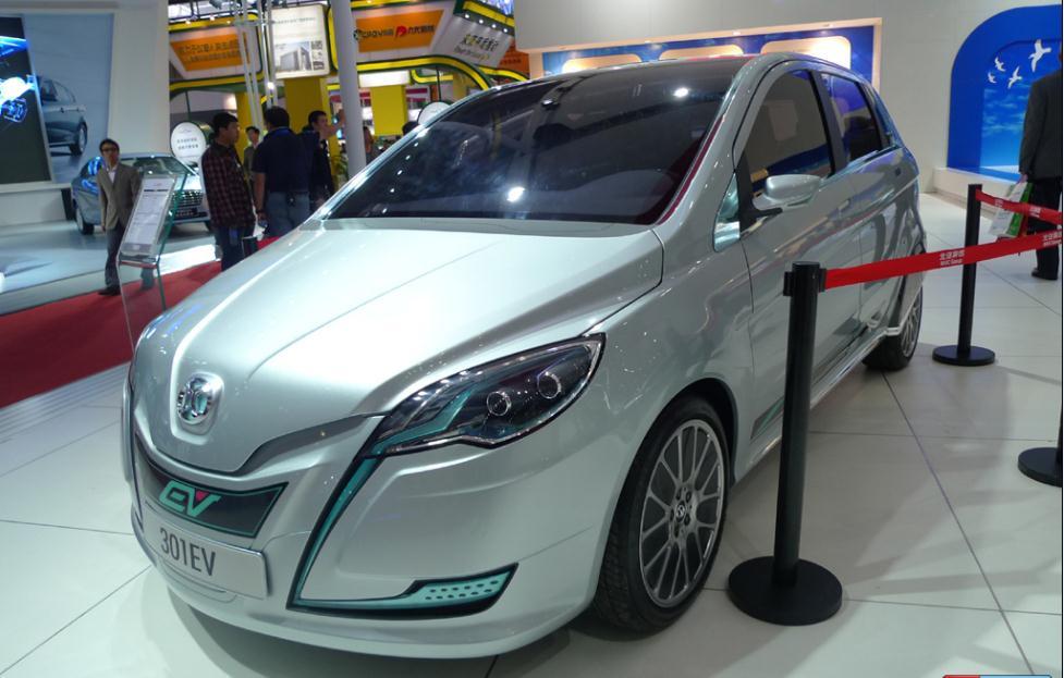 价格不菲 充电不便 两难题困住新能源汽车推广步伐