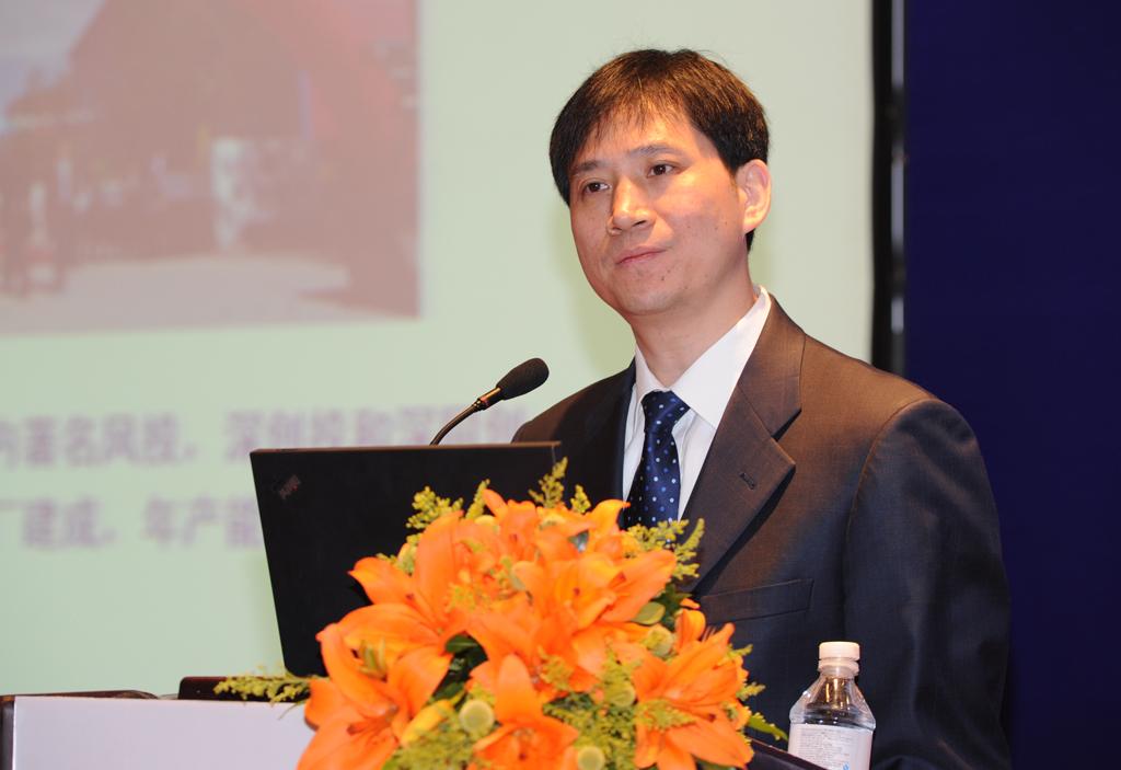 白厚善董事长照片.jpg 第五届(2015年度)中国电池行业年度人物:白厚善
