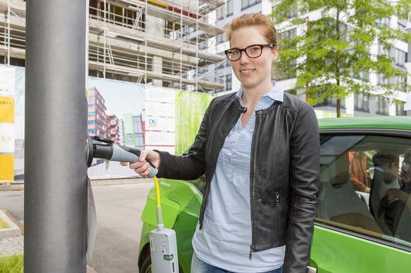 德国充电桩新思路:让路灯为电动汽车充电