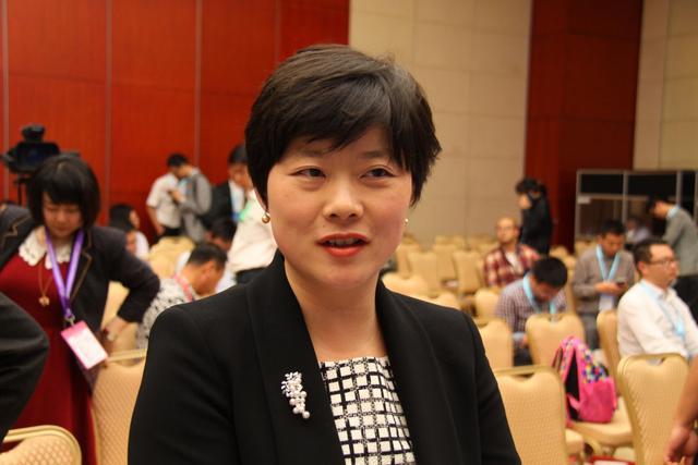 腾势美女CEO严琛