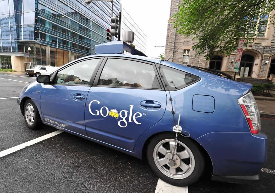 无人驾驶、车联网等智能汽车产业发展奠定技术基础.伴随着政高清图片