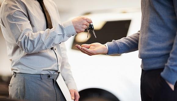 """互联网还无法颠覆二手车市场 砸钱赚吆喝的""""买卖""""?"""