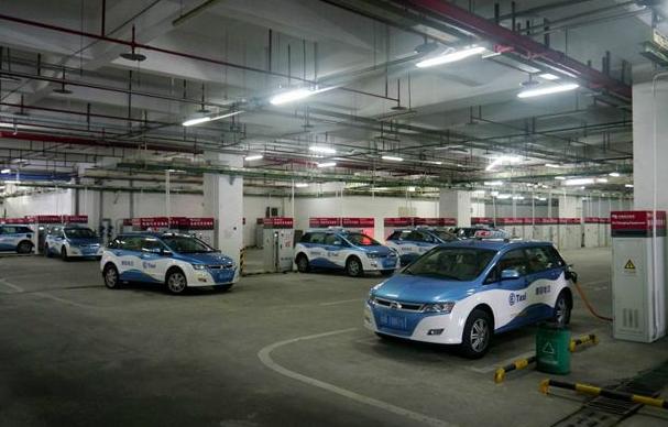 """深圳充电桩建设半年增长4倍 3年内将成新住宅""""标配"""""""