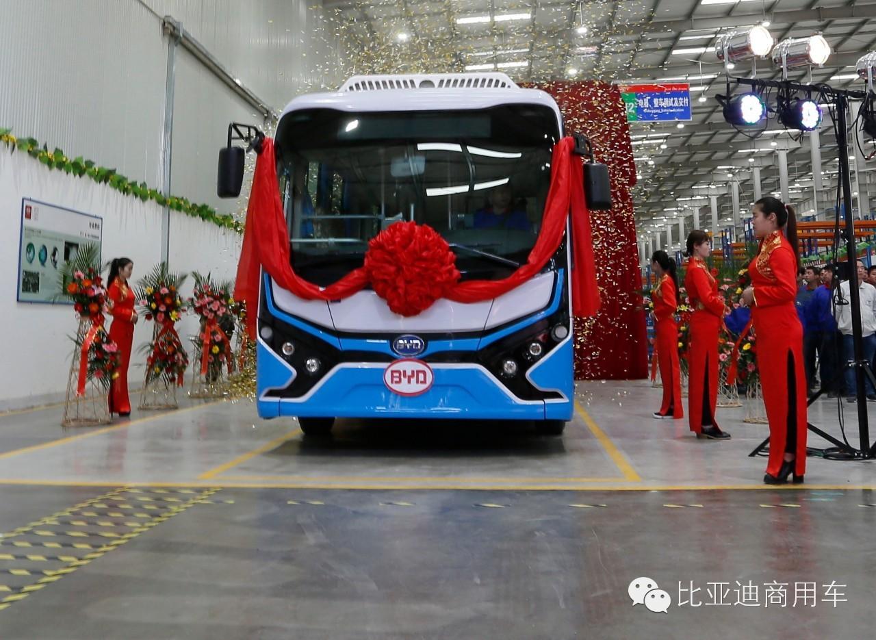 承德 比亚迪 首批纯 电动客车 K7下线 续航超240高清图片