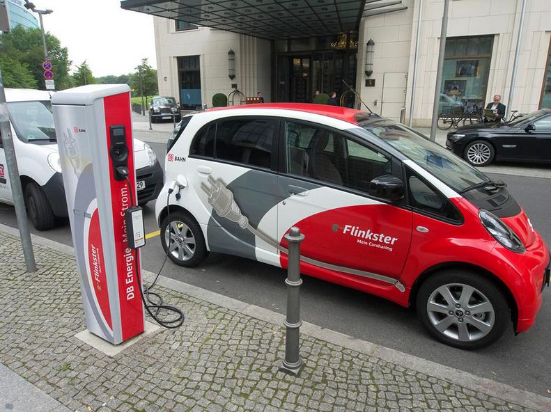 欧美多地设立禁售时间表 十几年后燃油车不能再卖了?