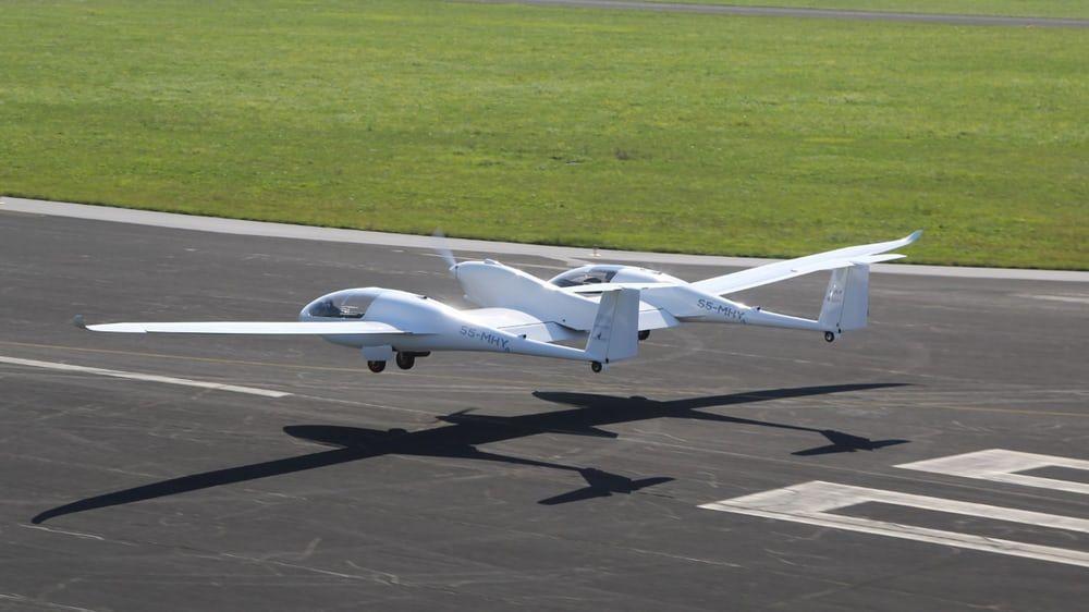 氢燃料客机首飞成功 未来目标要做空中出租车