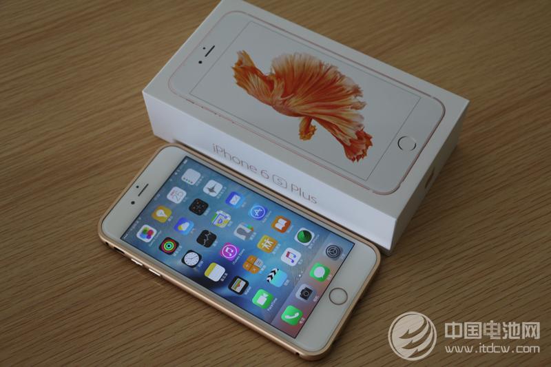 iPhone还有20%电量却自动关机 问题出在电池?