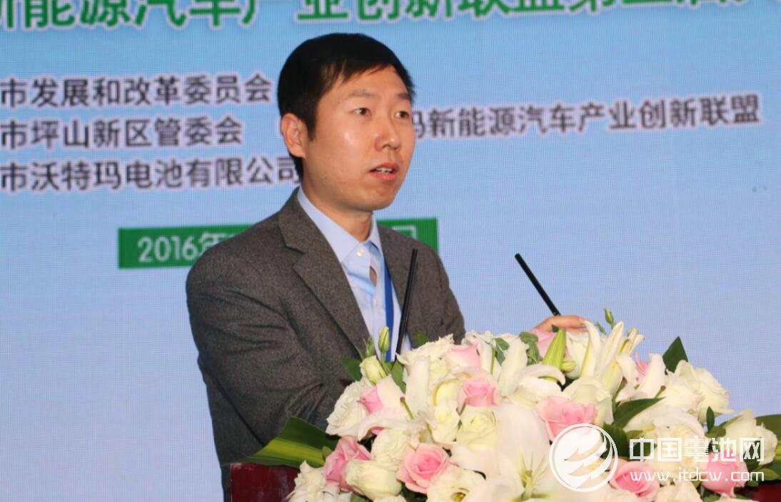 中国汽车工程学会副秘书长侯福深
