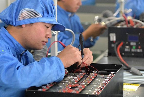 宁德时代新能源锂电池工厂