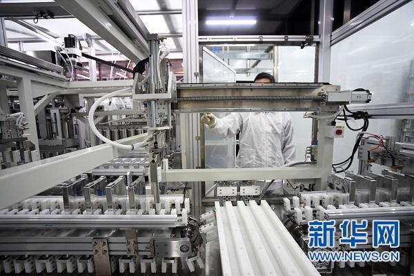 赣锋锂业布局锂电池 投资6亿动力电池全自动化生产线试产