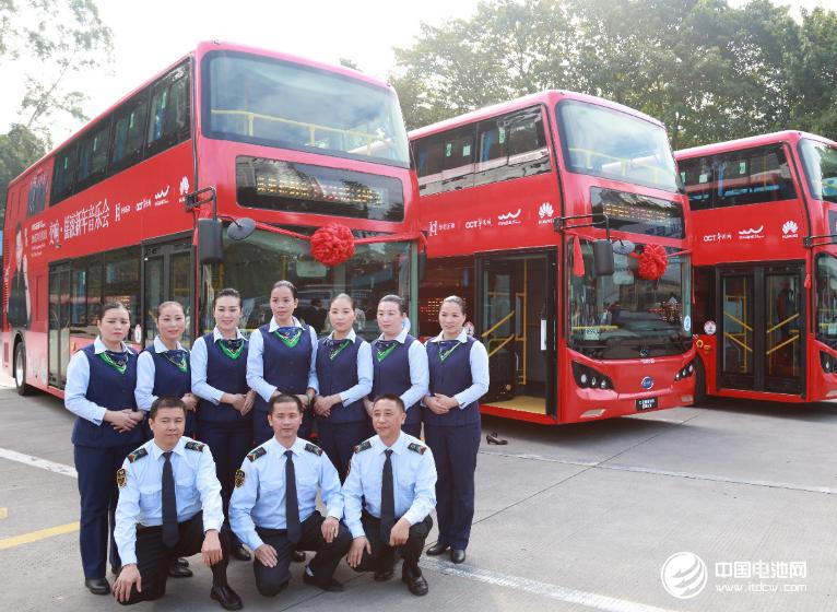 服务深圳市民的比亚迪纯电动双层巴士