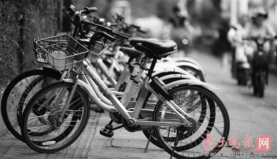 45万辆太乱了!南京暂停共享单车投放 封杀共享电单车