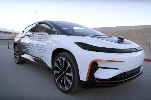 法拉第未来FF91电动汽车 图/凤凰科技-放弃10亿美元工厂后 法拉第未高清图片