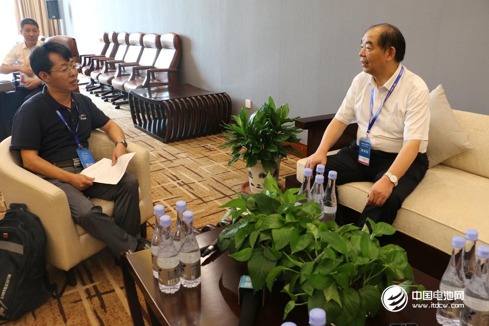多氟多董事长李世江接受中国电池网创始人/电池百人会秘书长于清教专访