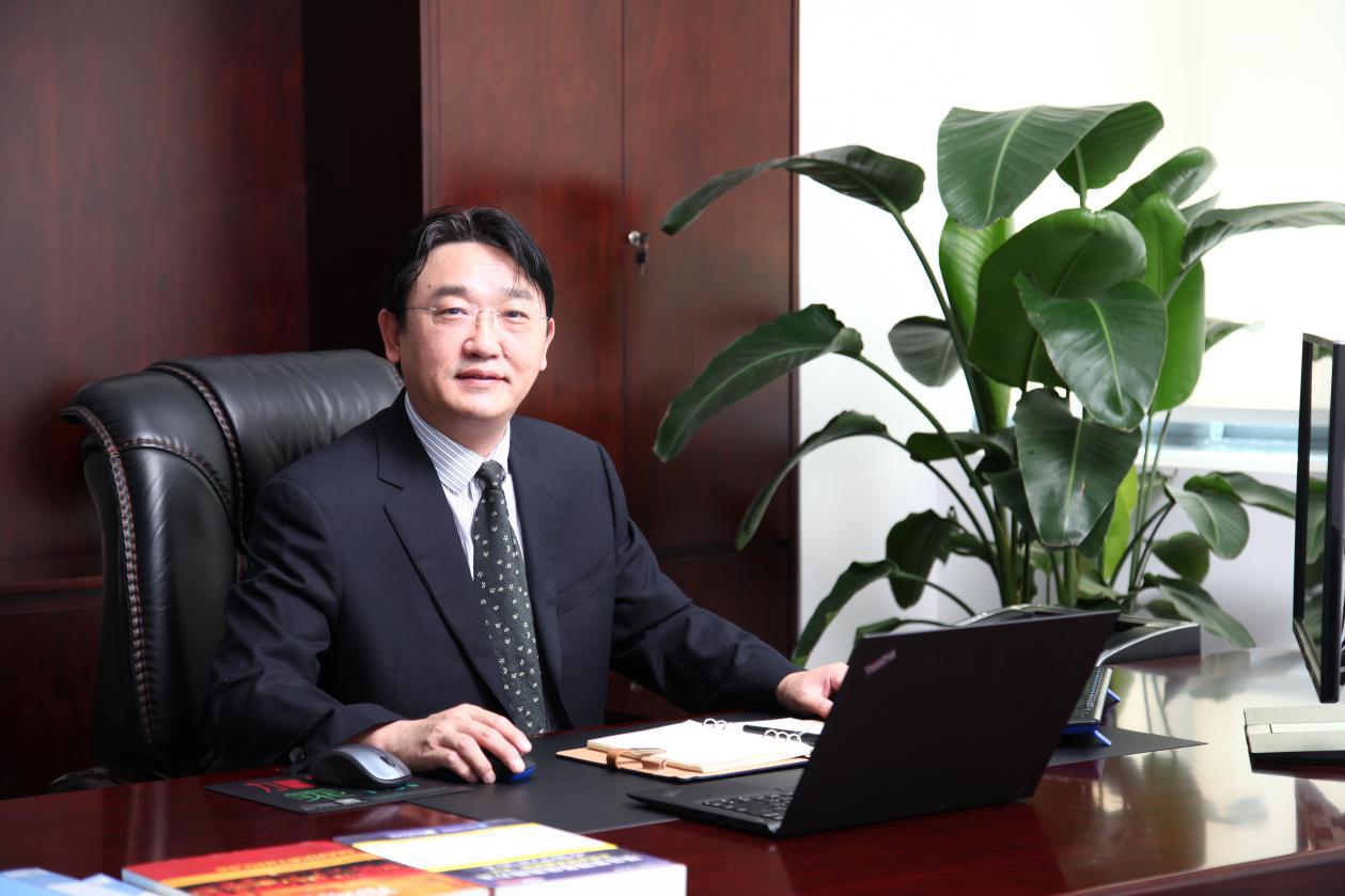 第七届(2017年度)中国电池行业年度人物:胡达文