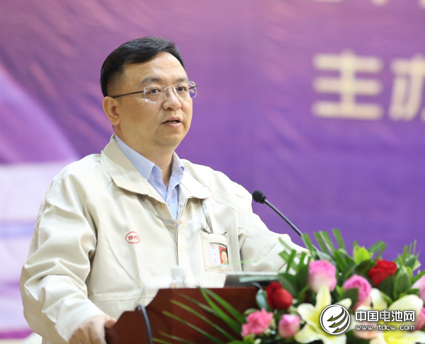 王传福在周年庆典上发表演讲