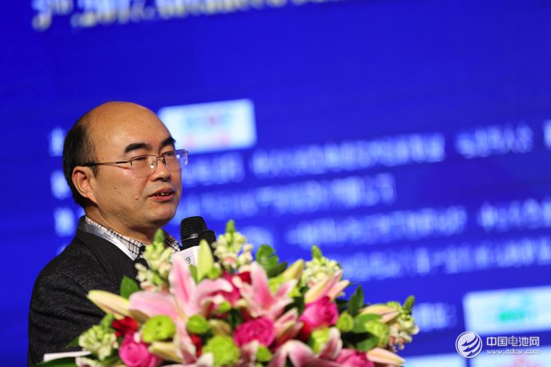 胡国荣:三元材料技术竞争激烈 自产前驱体模式更具开发效率