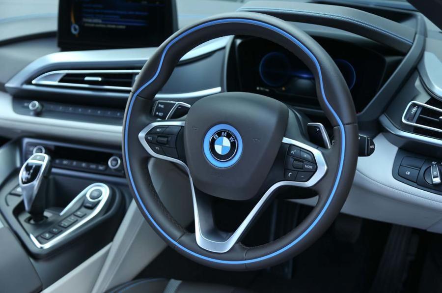 宝马:自动驾驶不会取代人工驾驶 倡导驾驶乐趣.jpg