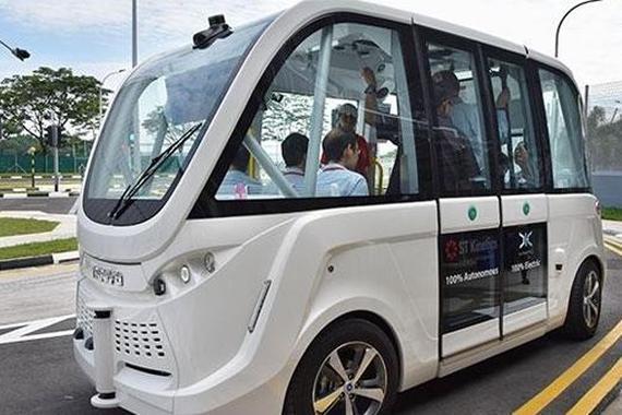 美国计划对自动驾驶卡车和公共汽车立法 引导其发展.jpg