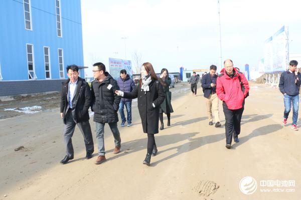 中国锂电新能源产业链调研团一行与江苏贝特瑞相关领导交流