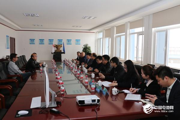 中国锂电新能源产业链调研团一行与东皋膜相关领导交流、座谈