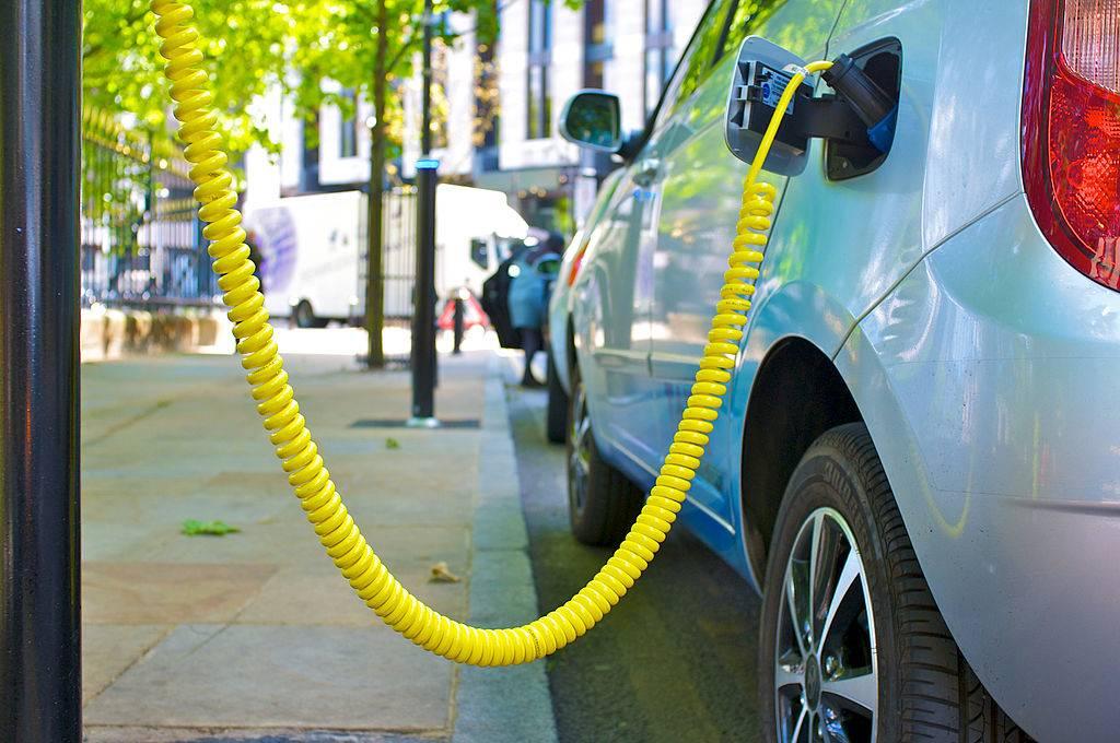 """补贴新政实施过渡期将结束 新能源汽车下月或会""""涨价"""""""