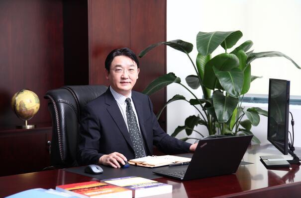 电池百人会理事:中兴新材胡达文.jpg