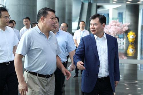 苏宁发力新能源汽车 与北汽洽谈战略布局